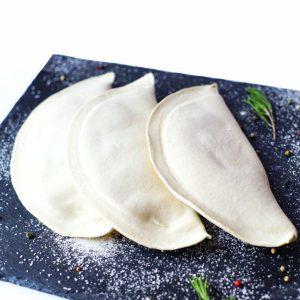 Заморожені чебуреки з картоплею